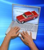 Seguro de coche en línea del ordenador imagen de archivo libre de regalías