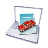 Seguro de coche en línea del ordenador foto de archivo libre de regalías