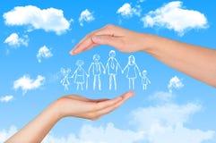 Seguro de vida familiar, família de proteção, conceitos de família foto de stock royalty free