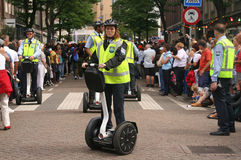 segway女性官员的警察 图库摄影