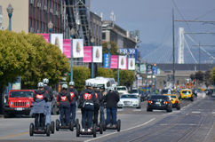 Segway halv liter turnerar i San Francisco - Kalifornien Arkivfoton