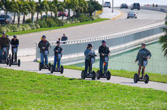 Segway turnerar i Clearwater strandflroida Arkivbilder