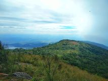 Sehen Sie Ansicht über den Hügel Lizenzfreie Stockfotografie