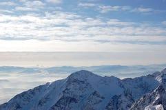 Sehen Sie Bergspitzen von hohem Tatras von Lomnicky-Spitze an lizenzfreie stockbilder