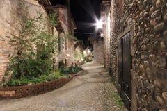 Sehen Sie Form das Innere des mittelalterlichen Dorfs von Ricetto di Candelo in Piemont an, benutzt als Schutz zuzeiten des Angri Lizenzfreies Stockbild