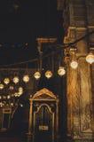 sehen Sie innerhalb der alten Moschee in Kairo, Ägypten an Stockbilder