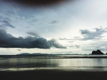 Sehen Sie Meersandhimmel Lizenzfreie Stockbilder