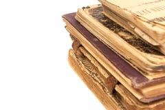 Sehr alte Bücher getrennt auf Weiß Lizenzfreie Stockfotografie