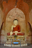 Sehr alte Buddha-Skulptur innerhalb der Pagode in Bagan, Myanmar Ancie Lizenzfreie Stockfotos