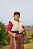 Sehr alte Frau mit Ausdruck auf ihrem Gesicht lizenzfreie stockbilder