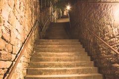 Sehr alte Treppe in Heidelberg stockbild
