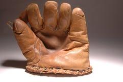 Sehr alter Baseballhandschuh Stockbilder