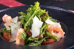 Sehr geschmackvoller Gemüsesalat Der Grüns, gesunden und gesunden Lebensmittel der Vitamine, Sehr geschmackvoller Gemüsesalat mit stockfotos