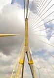 Sehr große Brücke des Seilzuges Lizenzfreie Stockfotografie