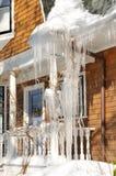 Sehr große Eiszapfen Stockbilder