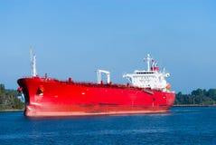 Sehr großer roter Öltanker Lizenzfreies Stockfoto