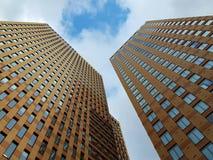 Sehr hohe Bürogebäude Lizenzfreie Stockfotos