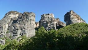 Sehr hohe Felsen von Meteora in Griechenland lizenzfreies stockbild