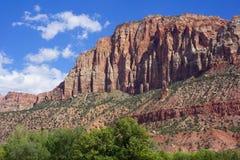 Sehr hohe Klippen von Zion National Park Stockfoto
