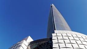 Sehr hoher Wolkenkratzer Stockfotos