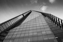 Sehr hoher Wolkenkratzer Lizenzfreie Stockfotos