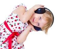 Sehr musikalisches kleines Mädchen, das hat Lizenzfreie Stockbilder