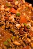 Sehr naher Rindfleisch-Chili con carne-Hintergrund Lizenzfreies Stockfoto