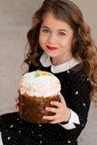Sehr schönes, nettes, herrliches, süßes kleines Mädchen mit dem perfekten Haar Stockfotografie