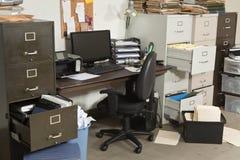 Sehr unordentliches Büro Stockfotografie