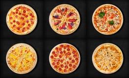 Sei pizze differenti messe per il menu Pizze della carne con 1Pepperoni 2ham e pizza del bacon 3 con il pepp del formaggio 5 dei  immagine stock