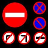 Sei segnali stradali rossi, bianchi e blu proibitivi rotondi Immagine Stock