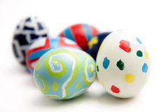 Sei uova di Pasqua Variopinte fotografie stock libere da diritti