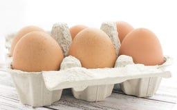 Sei uova organiche marroni del pollo Immagini Stock Libere da Diritti