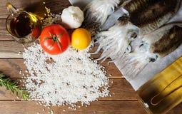 Seiches fraîches avec des légumes Images libres de droits