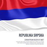 Seidige Flagge von Republika Srpska wellenartig bewegend auf einen lokalisierten weißen Hintergrund mit dem weißen Textbereich fü Stockbilder