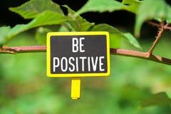 Seien Sie an Bord positiv lizenzfreie stockfotos