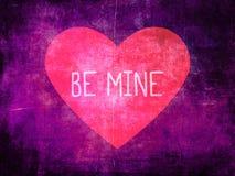 Seien Sie meine Rosa-Herz auf purpurrotem Schmutz-Hintergrund Lizenzfreies Stockbild