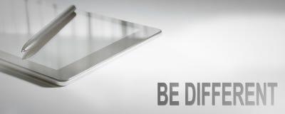 SEIEN Sie UNTERSCHIEDLICHE Geschäfts-Konzept-Digitaltechnik Stockbild