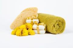Seife und Schwämme für Badekurort Lizenzfreies Stockbild