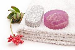 Seife und Tuch Lizenzfreie Stockbilder