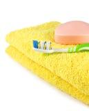 Seife, Zahnbürste und Tuch Lizenzfreie Stockbilder