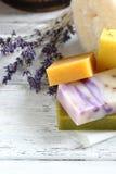 Seifen mit dem Lavendel hygienisch lizenzfreie stockfotos