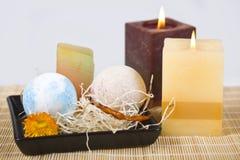 Seifen und Kerzen Stockbilder