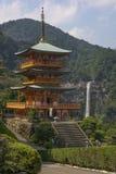 Seigantoji pagod och Nachi ingen Taki vattenfall Arkivfoton