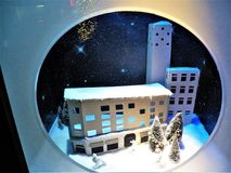 Seigneur et Taylor Christmas Window Display NYC Image stock