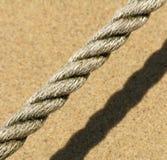 Seil auf dem Strand Stockfotos