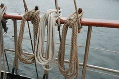 Seil auf einem alten Segelboot Stockfotos