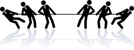 Seil, das Geschäftsleute zieht Stockfoto