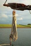 Seil des Segelnbootes Lizenzfreie Stockfotos