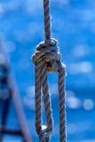 Seil mit einem Knoten Lizenzfreie Stockfotos